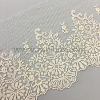 Puntilla de tul bordado de 11.5 cm de ancho. Serie Jimena. Disponible en varios colores.