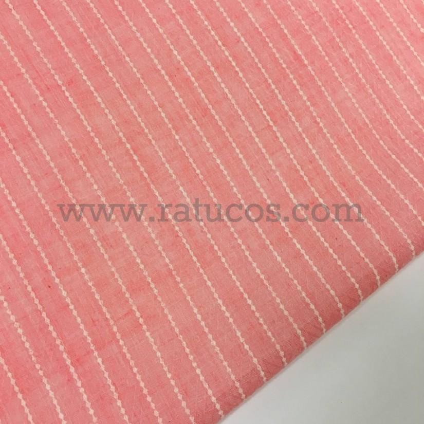 4d9b05138 Tejido gasa en color rosa melocotón con una fina raya blanca vertical.
