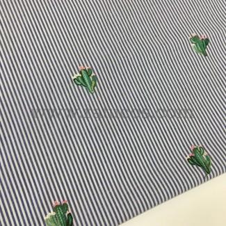 Tela de popelín de rayas con bordado de cactus